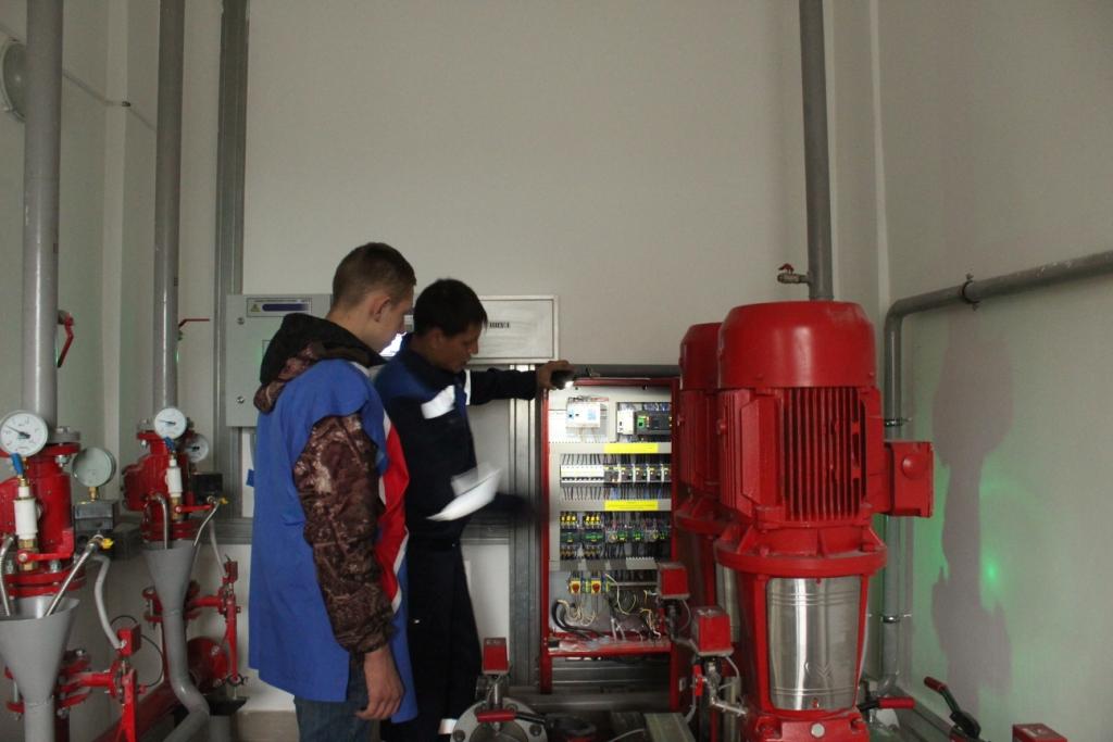 Полученные знания члены клуба «Юный пожарный»  проверяют на практике.