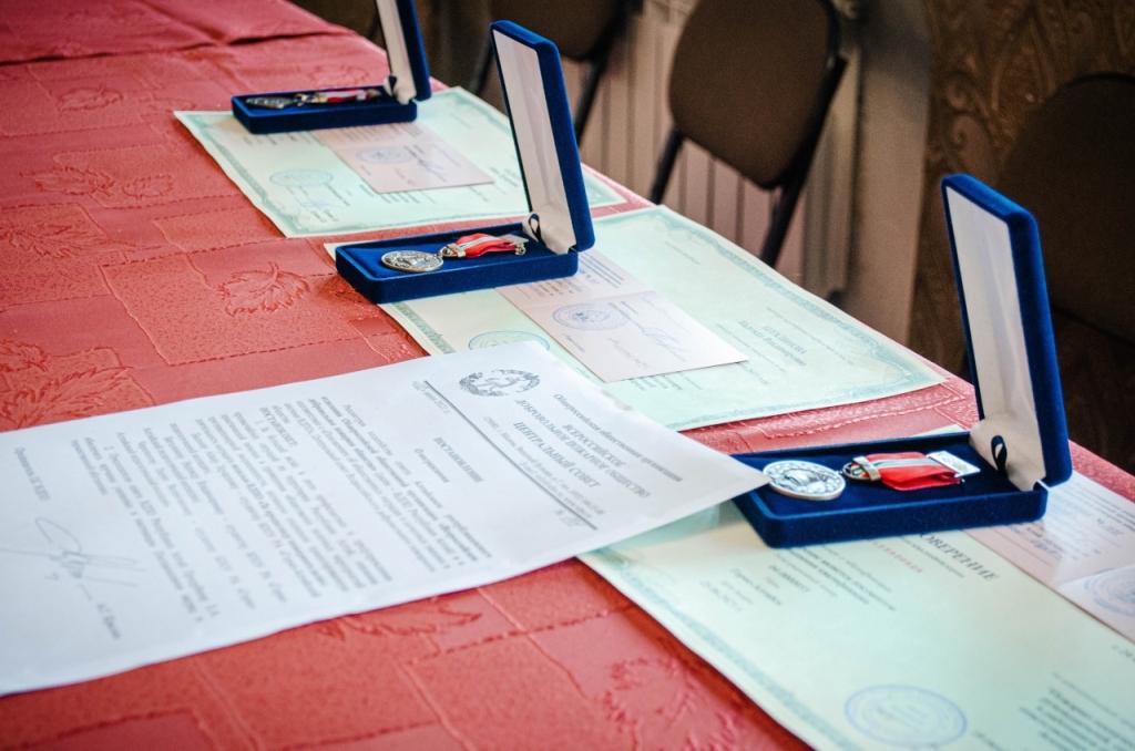 Студенты, члены клуба «Юный пожарный» получили общественные ведомственные награды ВДПО.
