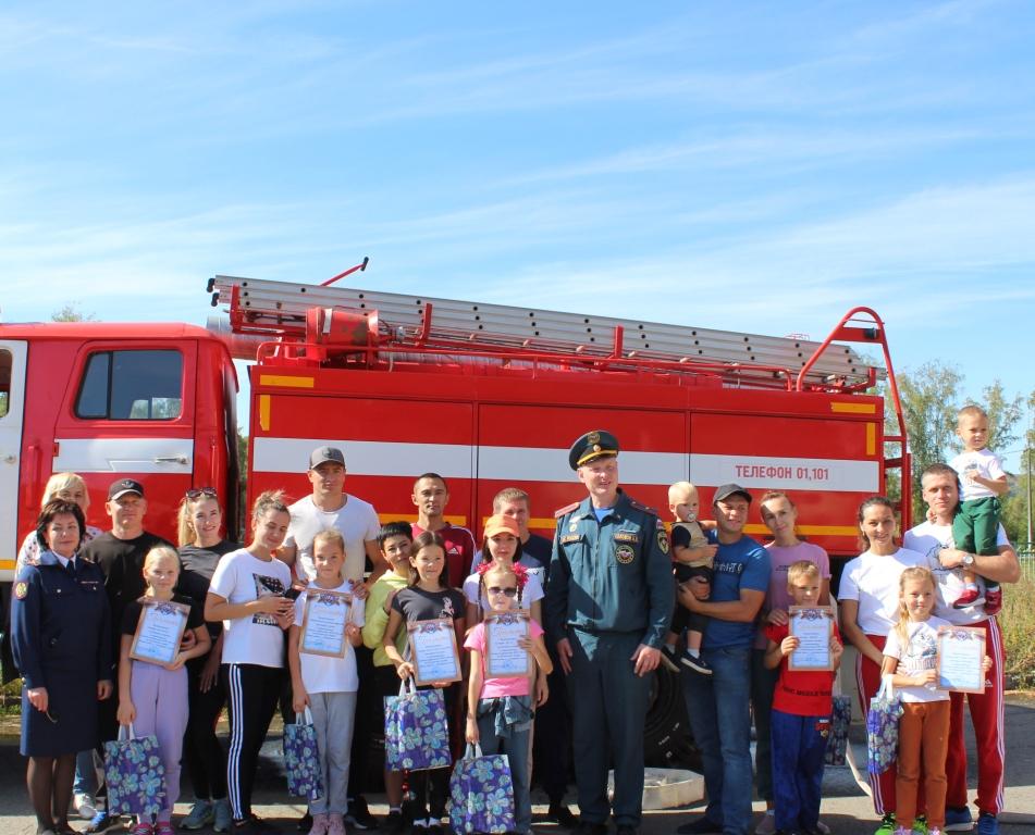 «Папа, мама, я — пожарная семья», соревнования среди семей пожарных и спасателей прошли в Республике Алтай.
